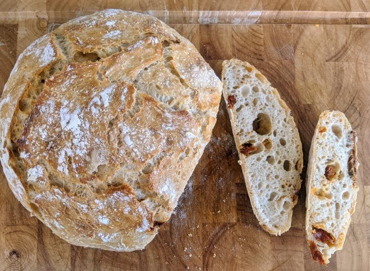 No-knead sun-dried tomato breadrecipe!